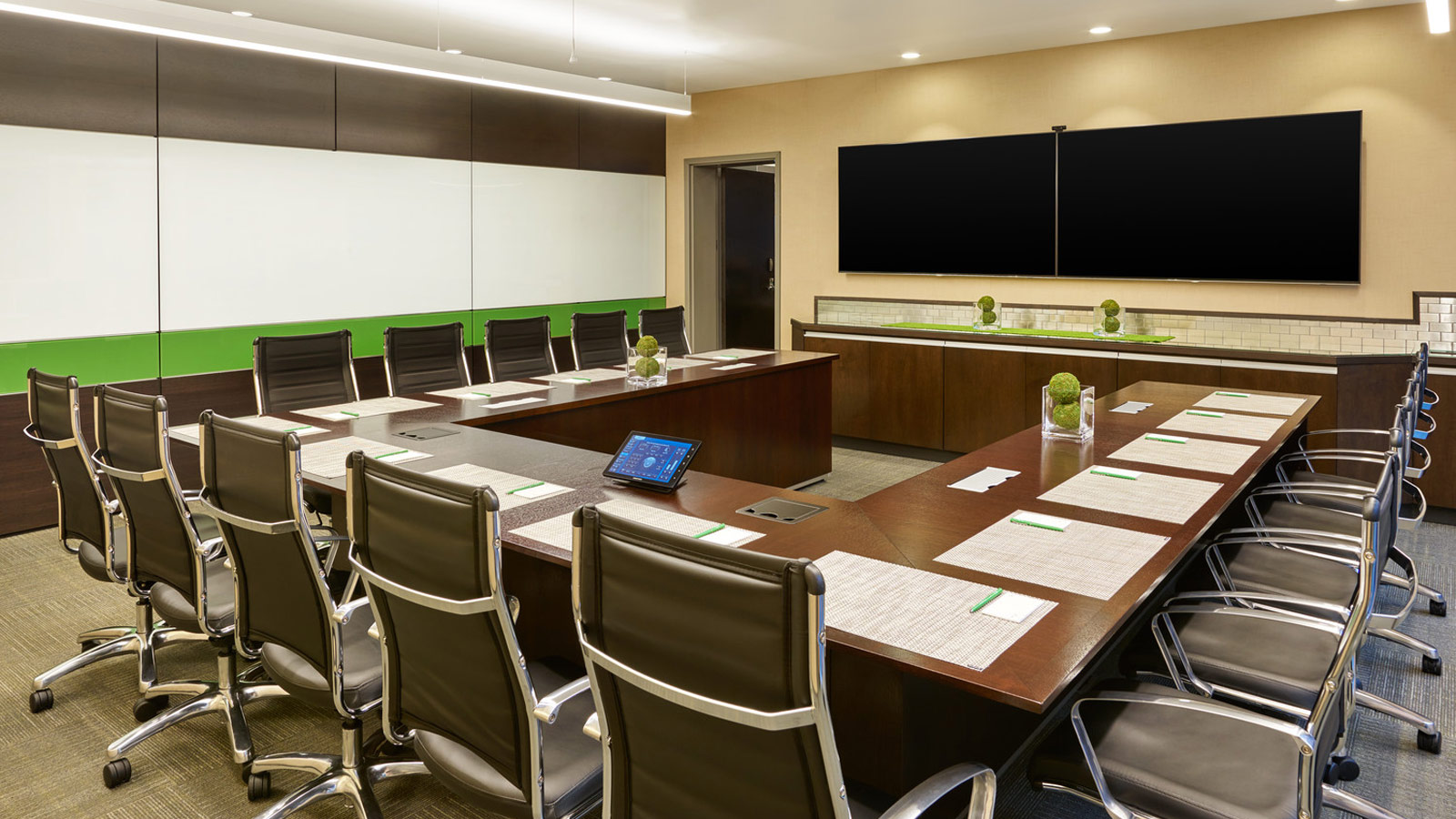 Fargo Meeting Space - Indoor Meeting Room